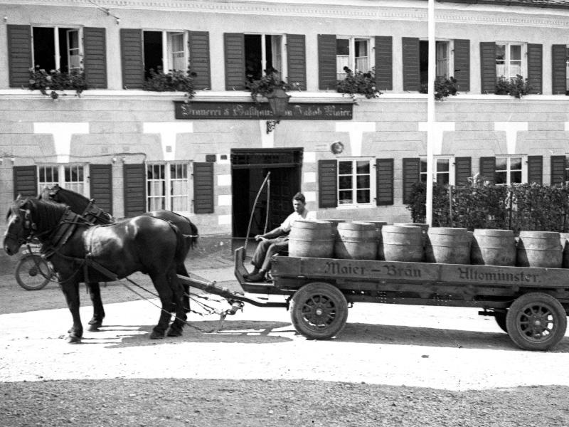 Brauereigasthof Maierbräu Altomünster - historisches Fuhrwerk