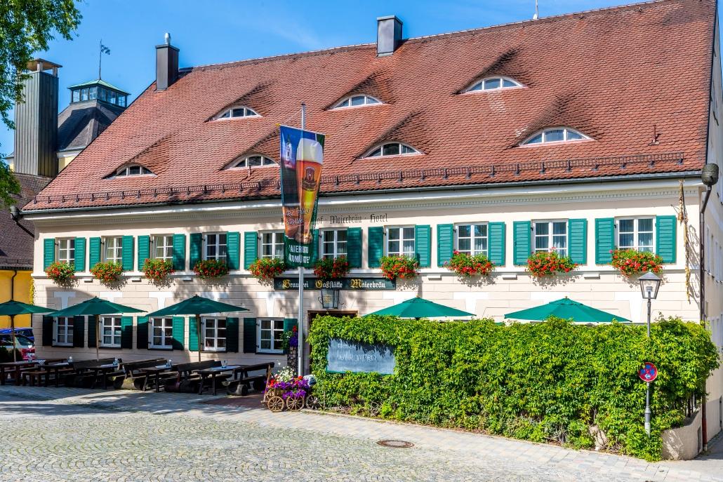 Brauereigasthof Maierbräu Altomünster Frontansicht Sommer
